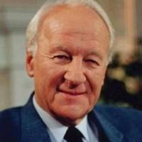 Evangelical giant John Stott dies at 90