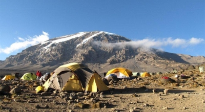 46 women climb Kilimanjaro to combat slavery