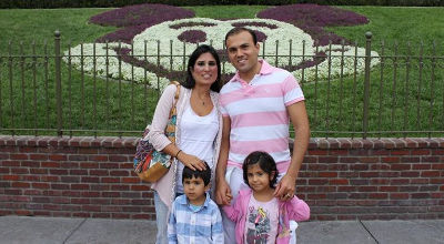 Pastor Saeed Abedini with his wife, Naghmeh, and their two children (PHOTOl ACLJ).