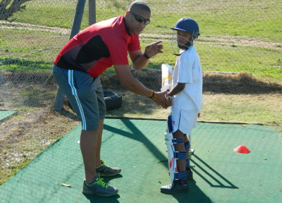 Reeze Telling coaching at the Gelvandale Centre of Excellence.
