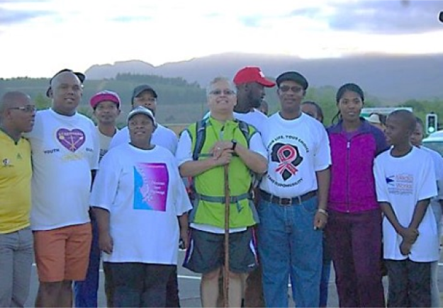 En route from Wellington to Simonsvlei – a happy part of the big crowd walking with us from Northpine band of pilgrims and supporters.