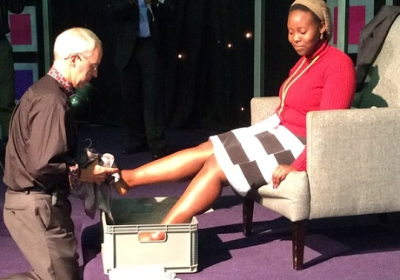 In an impromptu gesture, the Archbishop of Canterbury, Justin Welby, washed the feet of 12 young people.