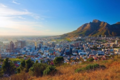 Dawn in Cape Town (PHOTO:  Denis Mironov/shutterstock.com)