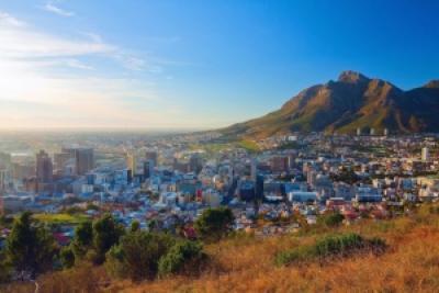 Dawn in Cape Town (PHOTO:  Denis Mironov/shutterstock.com)