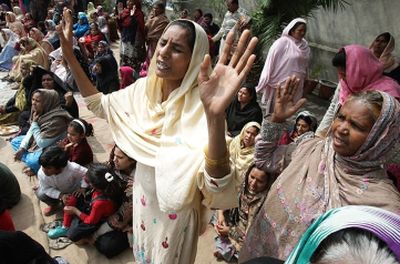 Pakistani Christians pray for victims of a pair of Taliban suicide bombings that struck two churches the day before, in Lahore, Pakistan, Monday, March 16, 2015. — AFP Read more: http://www.gospelherald.com/articles/54799/20150318/pakistani-christians-commemorate-victims-of-terror-attack-say-jihadists-will-never-push-back-their-faith.htm#ixzz3UtzubqJR