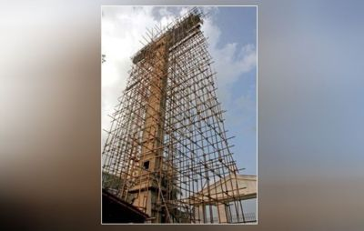 Pakistani Christian erecting 140-foot cross in Muslim nation's biggest city
