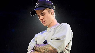 Justin Bieber transforms concert venue into a megachurch during show