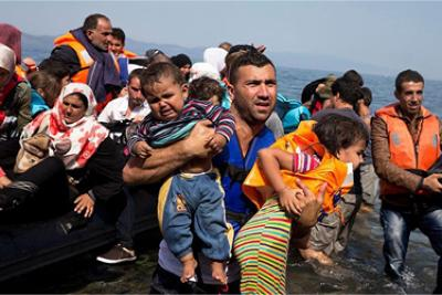 Jesus appears to refugees crossing stormy Aegean Sea, calms waters