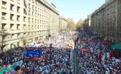 100 000 Chileans protest pending abortion law