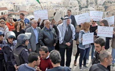 balfour-protestors
