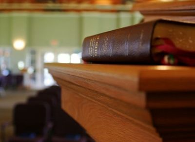 church-conservative-pulpit