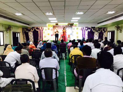 Lindy-Ann India preaching