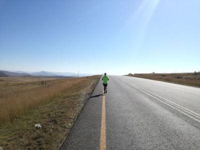 Gritty teacher pressing on with 1 000km run to raise money for cancer, despite setbacks
