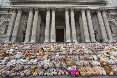 700 bears on St Paul's stairs highlight plight of South Sudan child refugees