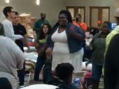 WATCH: Songs of praise fill the air in Houston flood-victim shelters