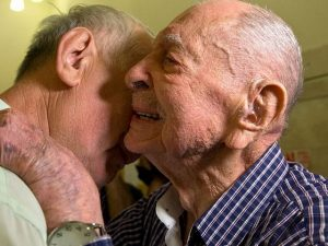 102-year-old Holocaust survivor's emotional reunion with nephew