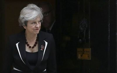 Theresa May emphatically rejects call to apologise for Balfour Declaration