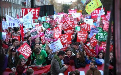 100 000 rally in Ireland to keep right to life for unborn