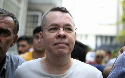 Trump hits Turkish officials with sanctions over Pastor Brunson's detainment