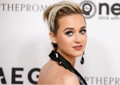 Katy Perry says her mom prays for her to 'come back to God' but says she never left