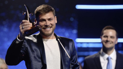 'Reckless Love' steals show at Dove Awards