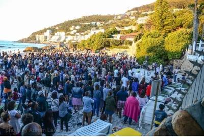 Hundreds worship Jesus on Clifton Beach