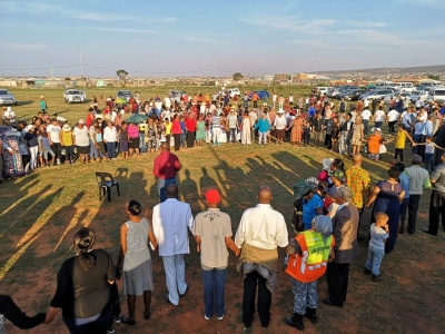 PE residents choose to battle gang violence with prayer