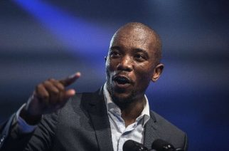 Mmusi Maimane speaking at people's movement consultation in Johannesburg